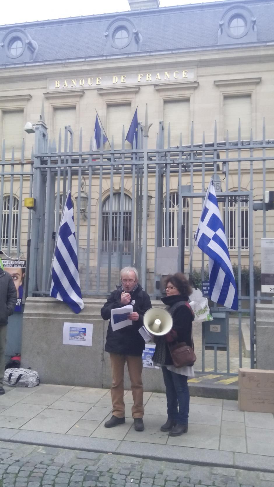 Rassemblement de soutien au peuple grec: quelques photos rennaises